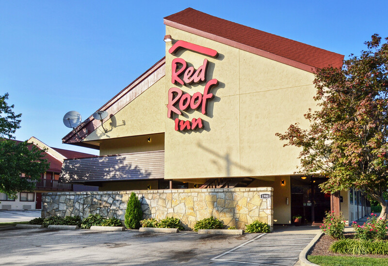red roof inn lexington exterior property image