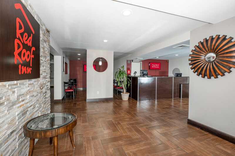 Red Roof Inn Raleigh - Crabtree Valley Front Desk and Lobby