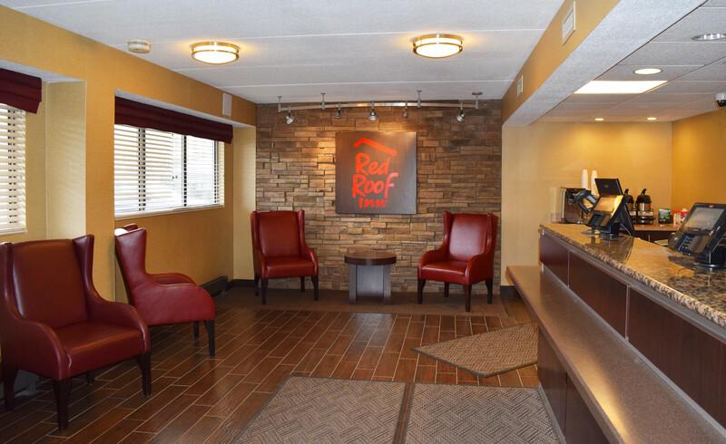 Red Roof Inn Binghamton - Johnson City Front Desk and Lobby Image