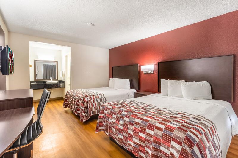 Red Roof Phoenix - Midtown Deluxe Double Room Image