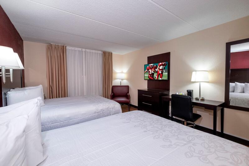 Red Roof PLUS+ & Suites Atlanta-Cumberland/Vinings Double Bed