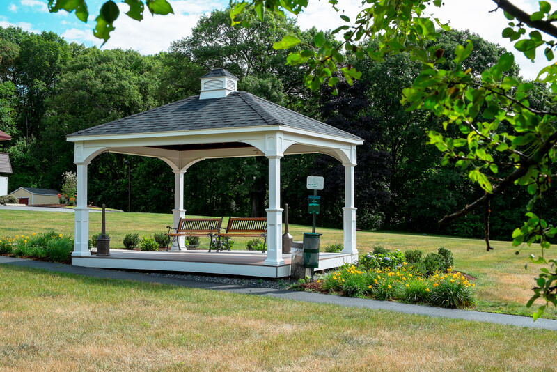 Red Roof Inn Boston - Southborough/Worcester Outdoor Gazebo Image