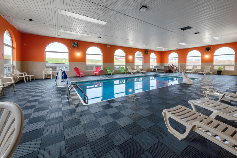 Red Roof Inn Osage Beach - Lake of the Ozarks Indoor Swimming Pool