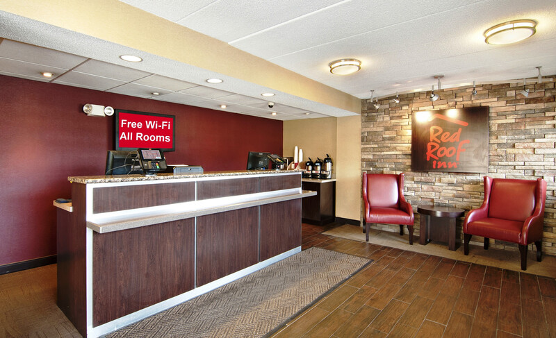 Red Roof Inn Charleston - Kanawha City, WV Front Desk and Lobby