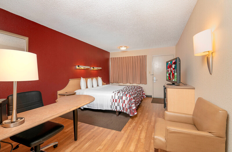 Red Roof Inn Greenville Single King Bed Room Image