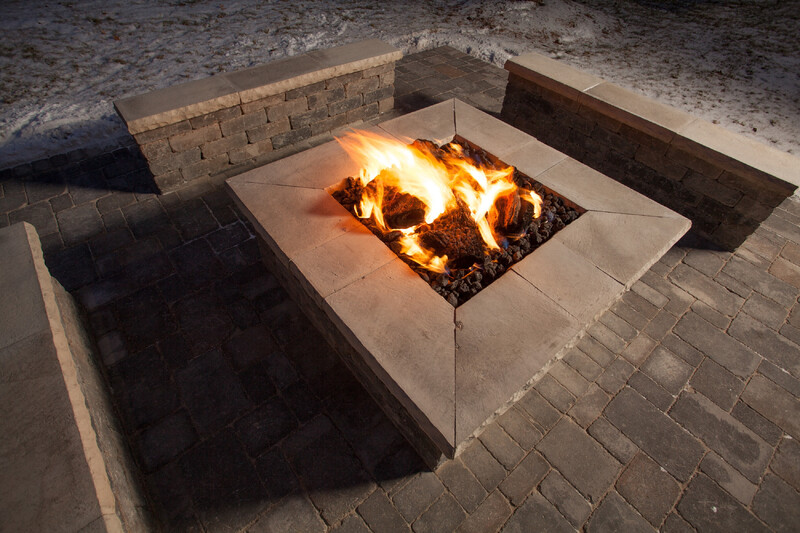 Red Roof PLUS+ Ann Arbor - U of Michigan North Outdoor Fireplace
