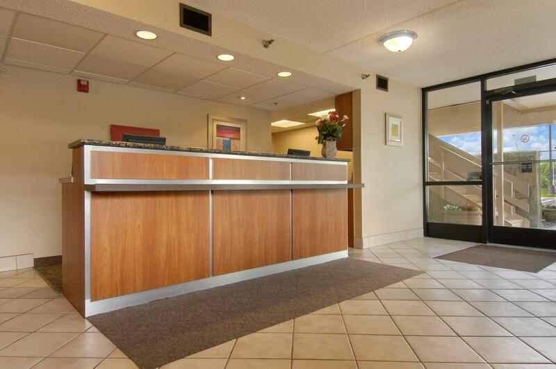 Red Roof Inn Dayton - Fairborn/Nutter Center Front Desk and Lobby Image