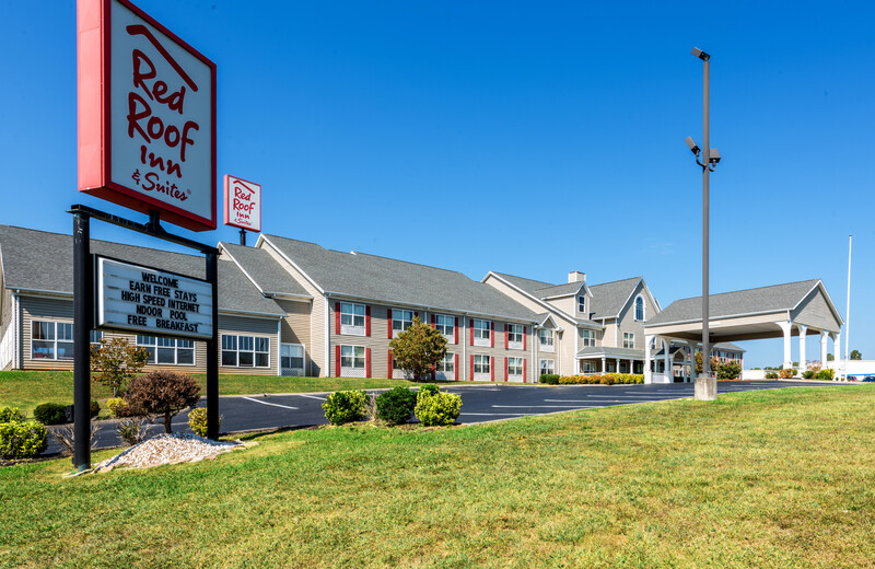 Red Roof Inn & Suites Knoxville East Property Exterior Image