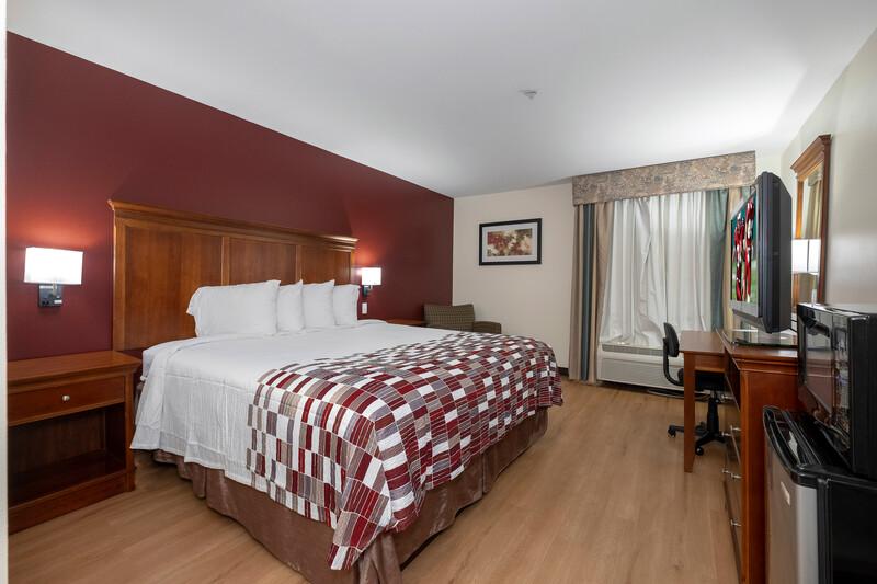 Red Roof Inn Houma Single King Bed Image