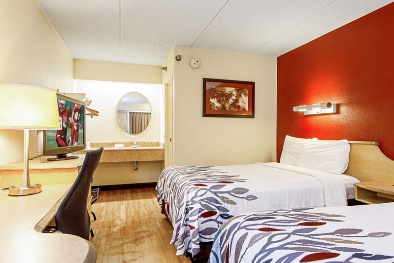 hotel room, double room