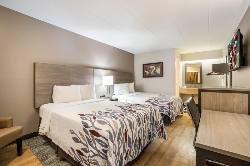 Red Roof Inn Lansing West - MSU Deluxe Double Bed