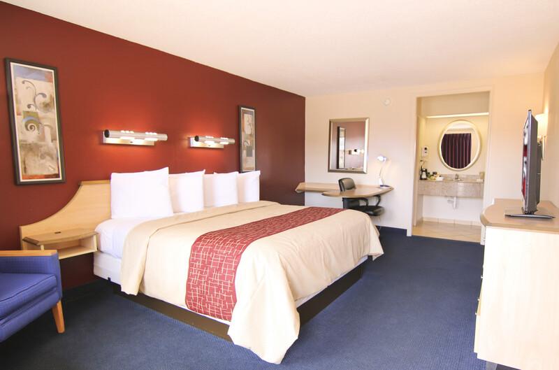 Red Roof Inn Somerset Single King Room Image Details
