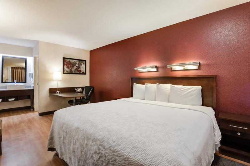 Red Roof Inn Chicago - Northbrook/Deerfield Superior King Room