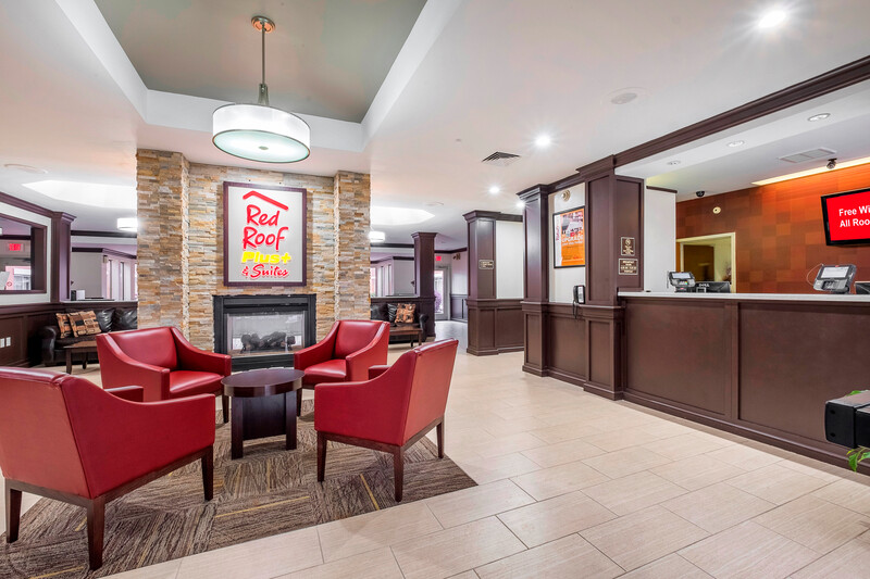 Red Roof PLUS+ & Suites Knoxville West-Cedar Bluff Lobby