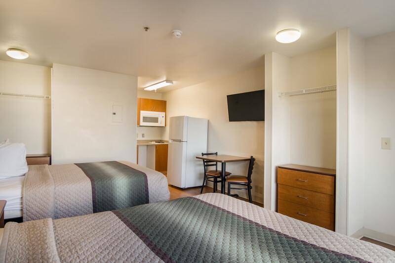HomeTowne Studios Denver - Airport/Aurora 2 Queen Beds