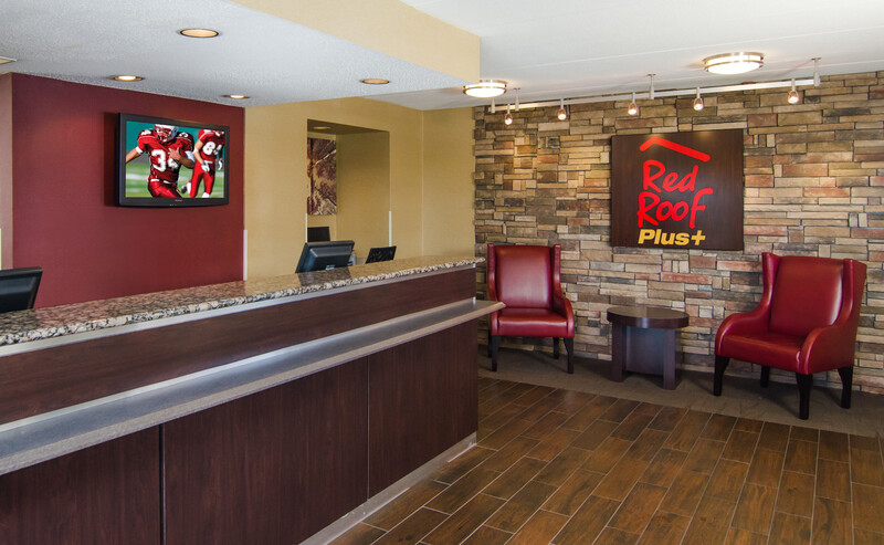 Red Roof PLUS+ Baltimore-Washington DC/BWI Airport Front Desk