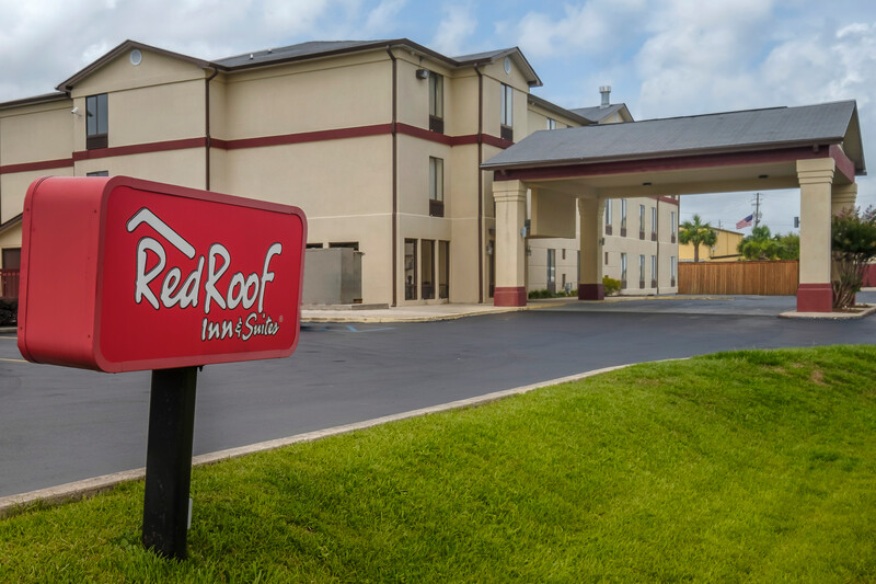 Red Roof Inn & Suites Mobile - Tillmans Corner Property Exterior