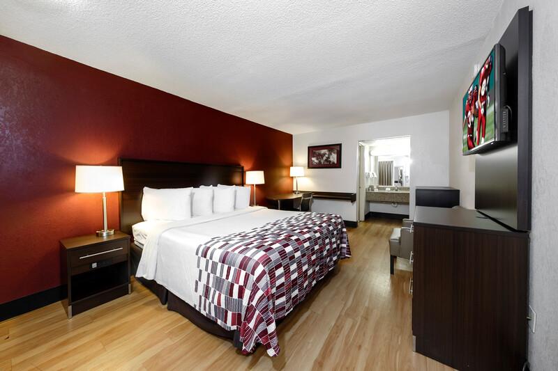 Red Roof Inn Atlanta – Suwanee/Mall of Georgia Single King Room