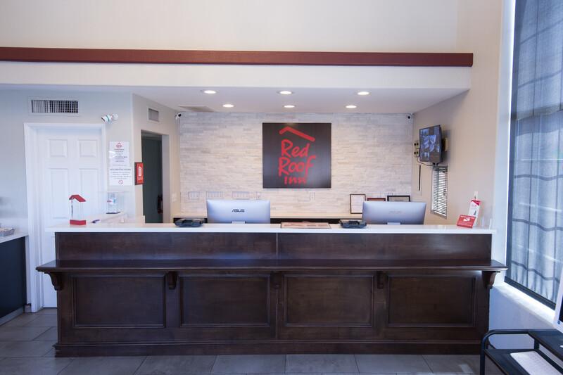 Red Roof Inn Kingman Front Desk and Lobby Image