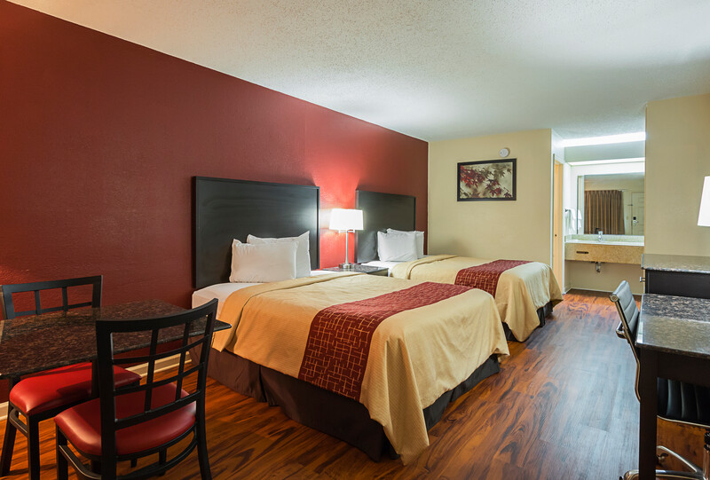 Red Roof Inn & Suites Scottsboro Double Bed Image
