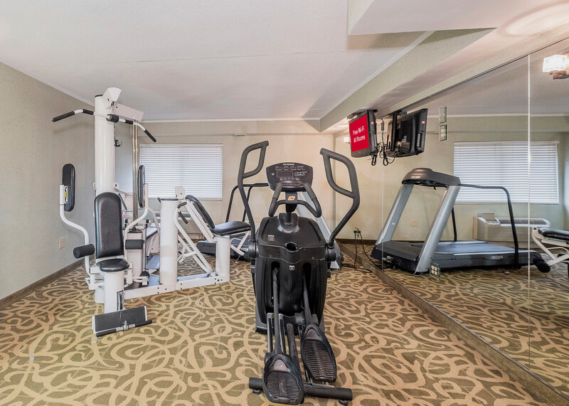 Red Roof Inn & Suites Mt Holly - McGuire AFB Onsite Fitness Facilities