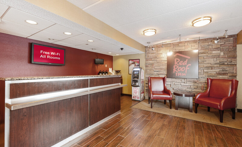 Red Roof Inn Tampa Fairgrounds - Casino Front Desk and Lobby Room