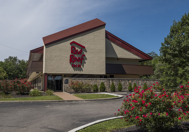 Red Roof Inn Cincinnati East - Beechmont Property Exterior Image