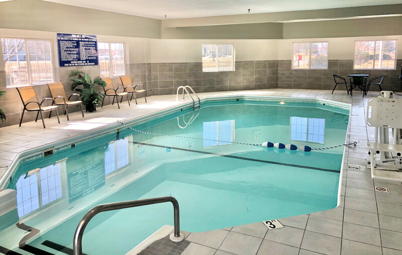 Red Roof Inn & Suites Council Bluffs Indoor Swimming Pool