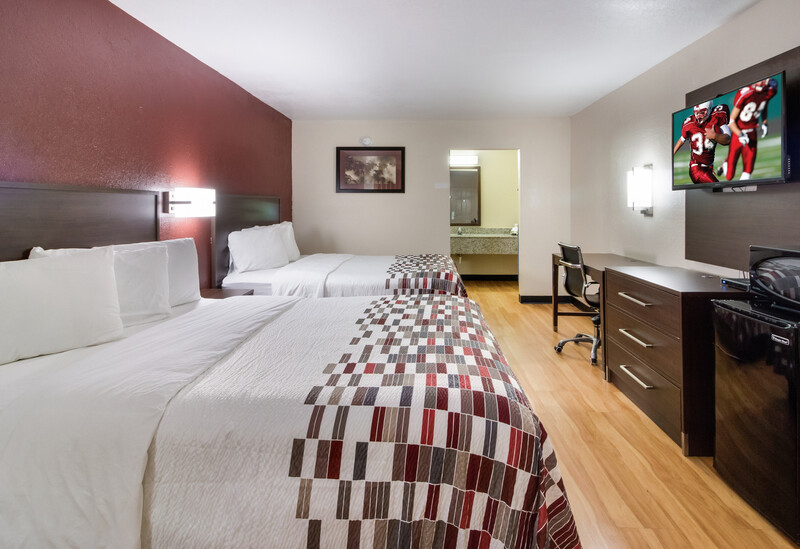 Red Roof Inn & Suites Commerce Deluxe Double Room Image