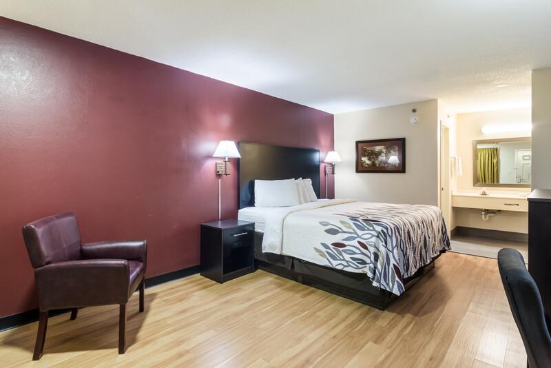 Red Roof Inn Atlanta - Kennesaw State University King Bed