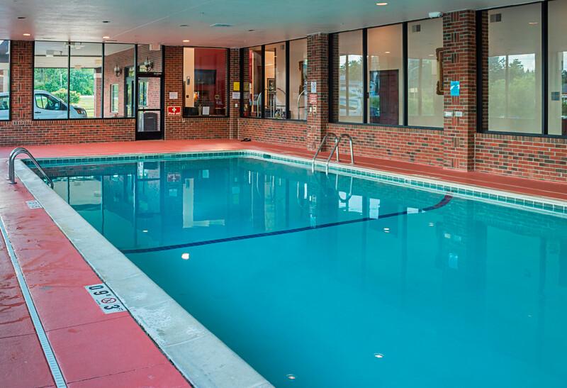 Red Roof Inn & Suites Lake Orion/Auburn Hills Indoor Pool