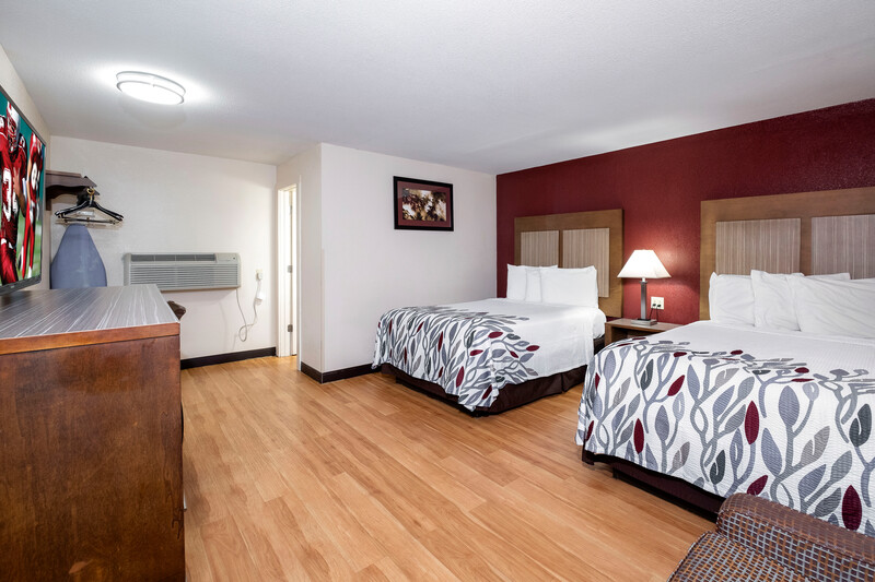 Red Roof Inn Neptune Deluxe Double Bed Room Image