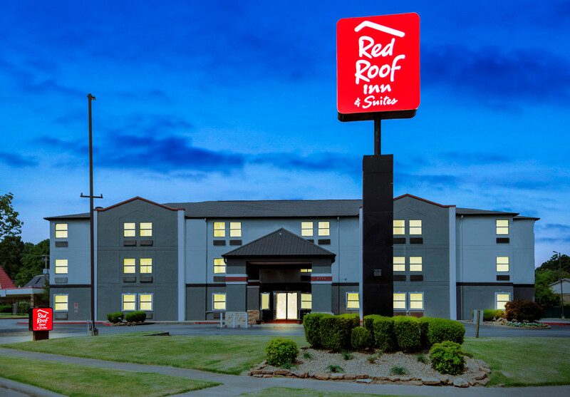 Red Roof Inn & Suites Little Rock Exterior Property Image