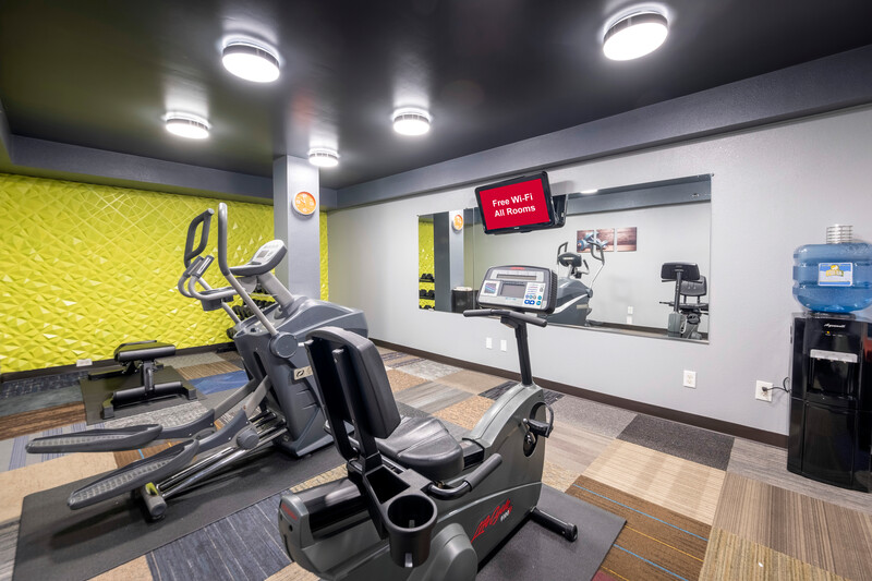 HomeTown Inn by Red Roof East Syracuse Fitness Center