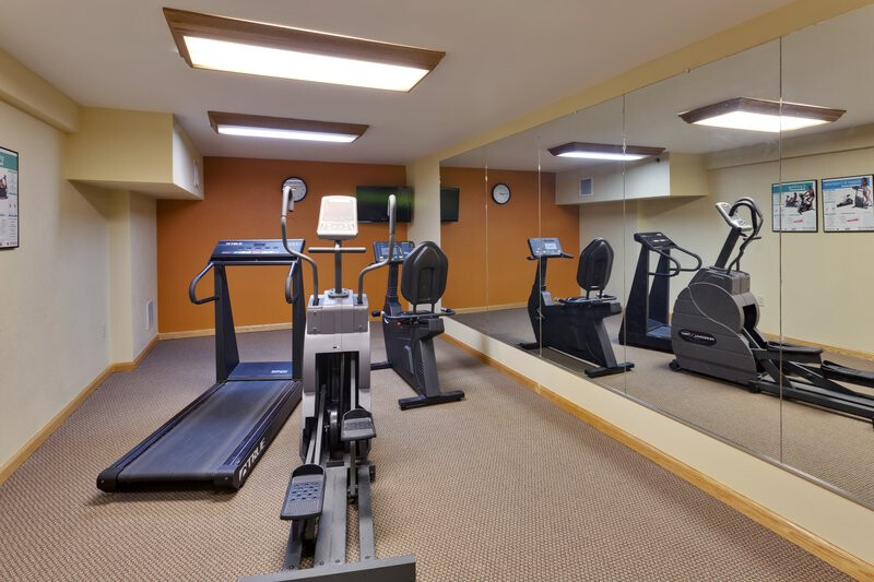 Red Roof Inn & Suites Manchester, TN Onsite Fitness Center Image