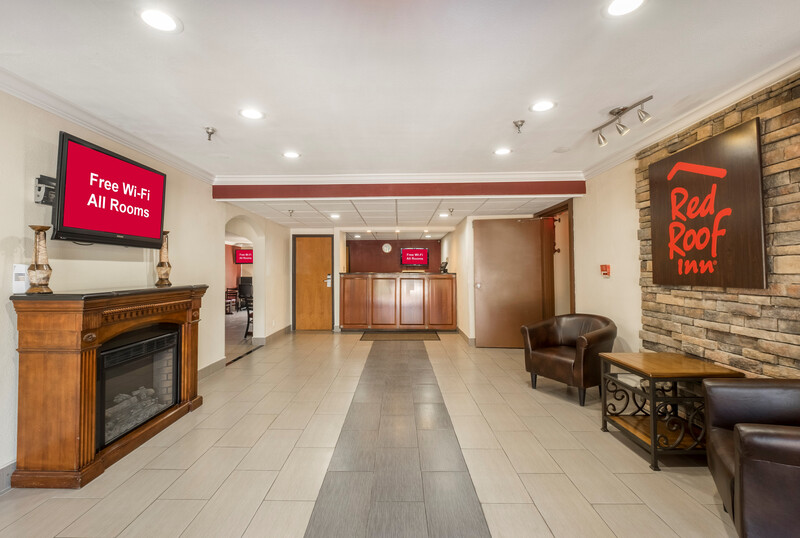 Red Roof Inn Binghamton North Front Desk and Lobby Area Image