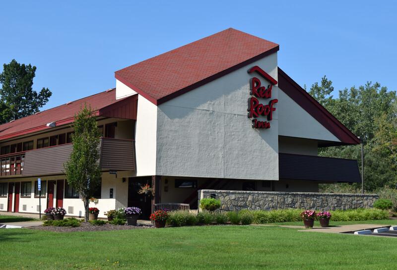 Red Roof Inn Buffalo - Niagara Airport Property Exterior Image Details