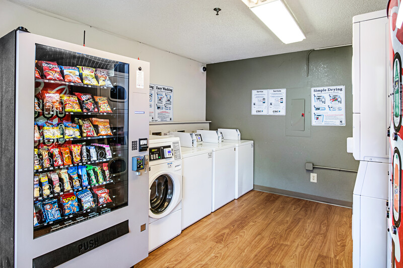 HomeTowne Studios Atlanta - Lawrenceville Laundry and Vending Machine