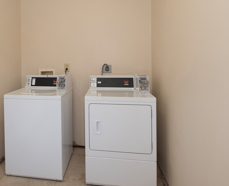 Red Roof Inn & Suites Augusta West Guest Laundry