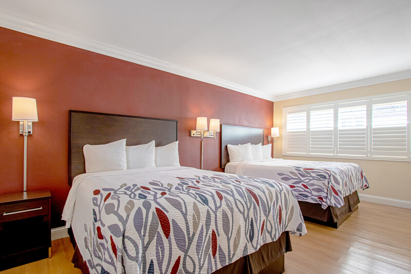 Red Roof Inn & Suites Monterey Double Bed Room Image