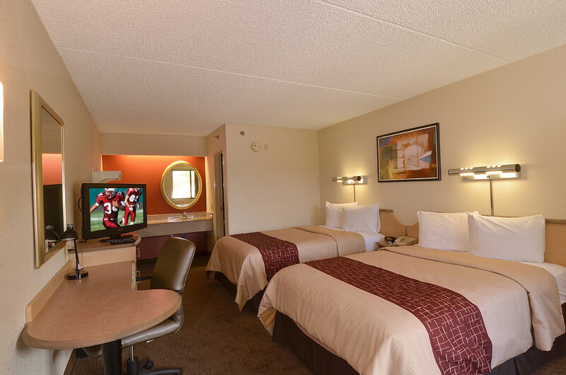 Red Roof Inn San Antonio - Airport Deluxe Double Room Image