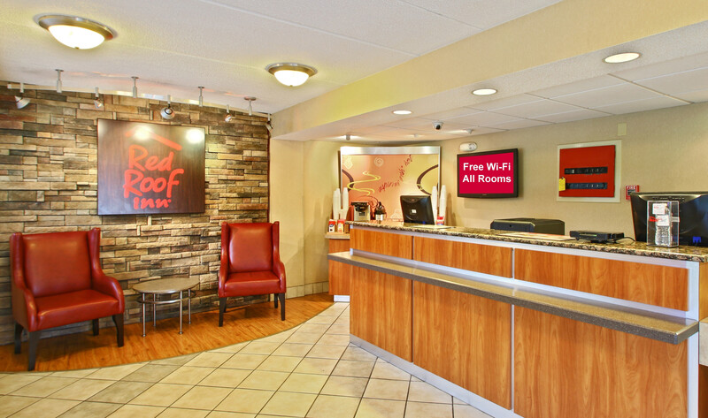 Red Roof Inn Greensboro Coliseum Front Desk and Lobby Image