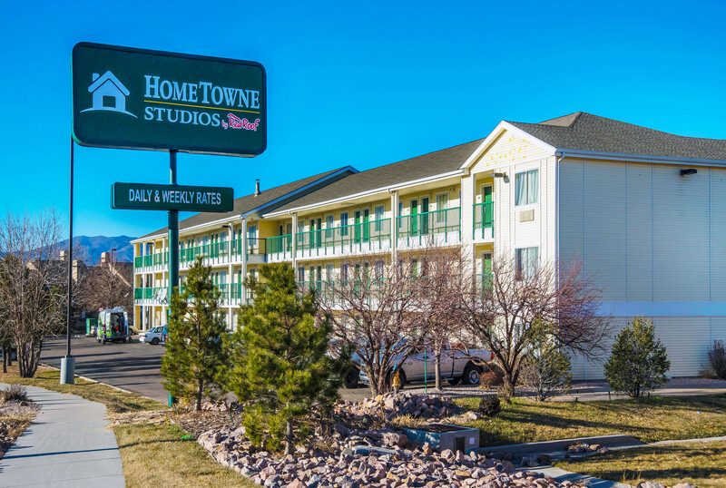 HomeTowne Studios Colorado Springs - Airport Property Exterior