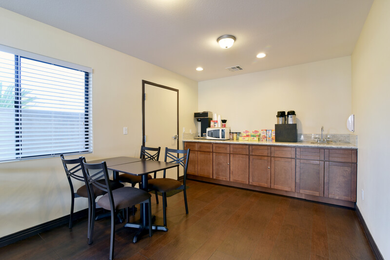 Red Roof Inn Bakersfield Coffee Area Property Image