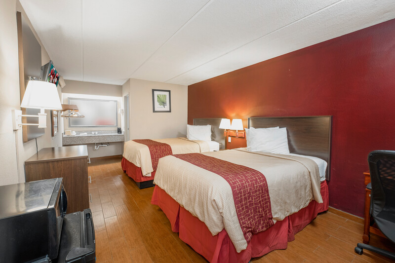 Red Roof Inn Jackson Downtown - Fairgrounds Deluxe Double Room