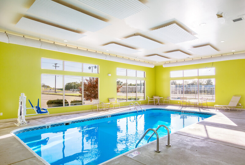 Red Roof Inn Vincennes Indoor Swimming Pool Image