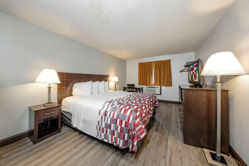 Red Roof Inn Culpeper Superior King Room Image Details