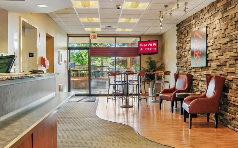 Red Roof Inn Cleveland Airport-Middleburg Heights Lobby Sitting Area