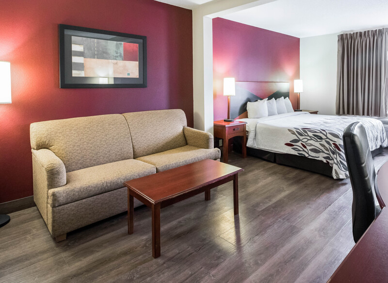 Red Roof Inn Etowah – Athens, TN Superior King Room Image Details