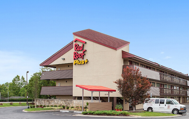 Red Roof PLUS+ Nashville Airport Property Exterior Image